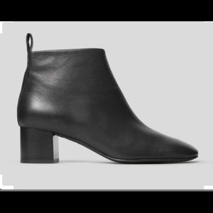 Everlane day boot in black.